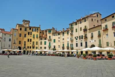 Houses and homes in Lucca - key information