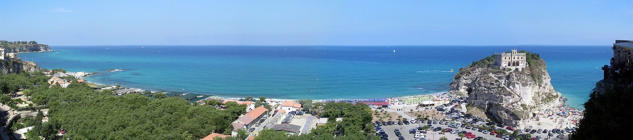 Italian homes for sale in Tropea a small town on the east coast of Calabria, in southern Italy. It's known for its clifftop historic center, beaches and prized red onions.