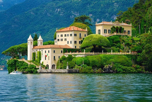 Villa for sale on Lake Como Italy